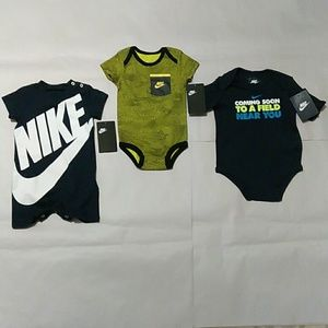 Baby Infant Nike Outfits Bundle Size: 6 months